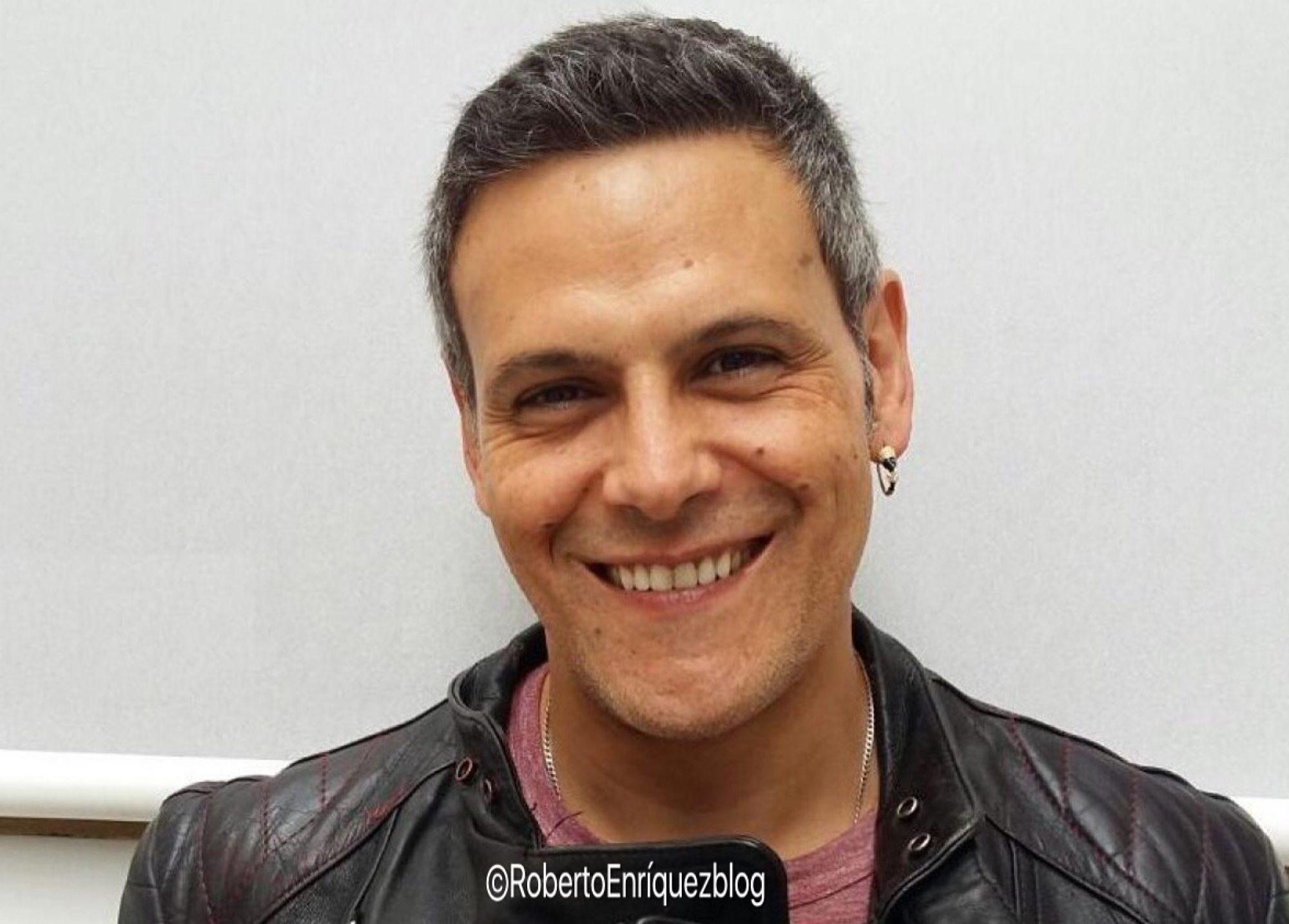 Roberto Enríquez Es Fabio En Vis A Vis Serie De Globomedia Para Antena 3 Roberto Enríquez